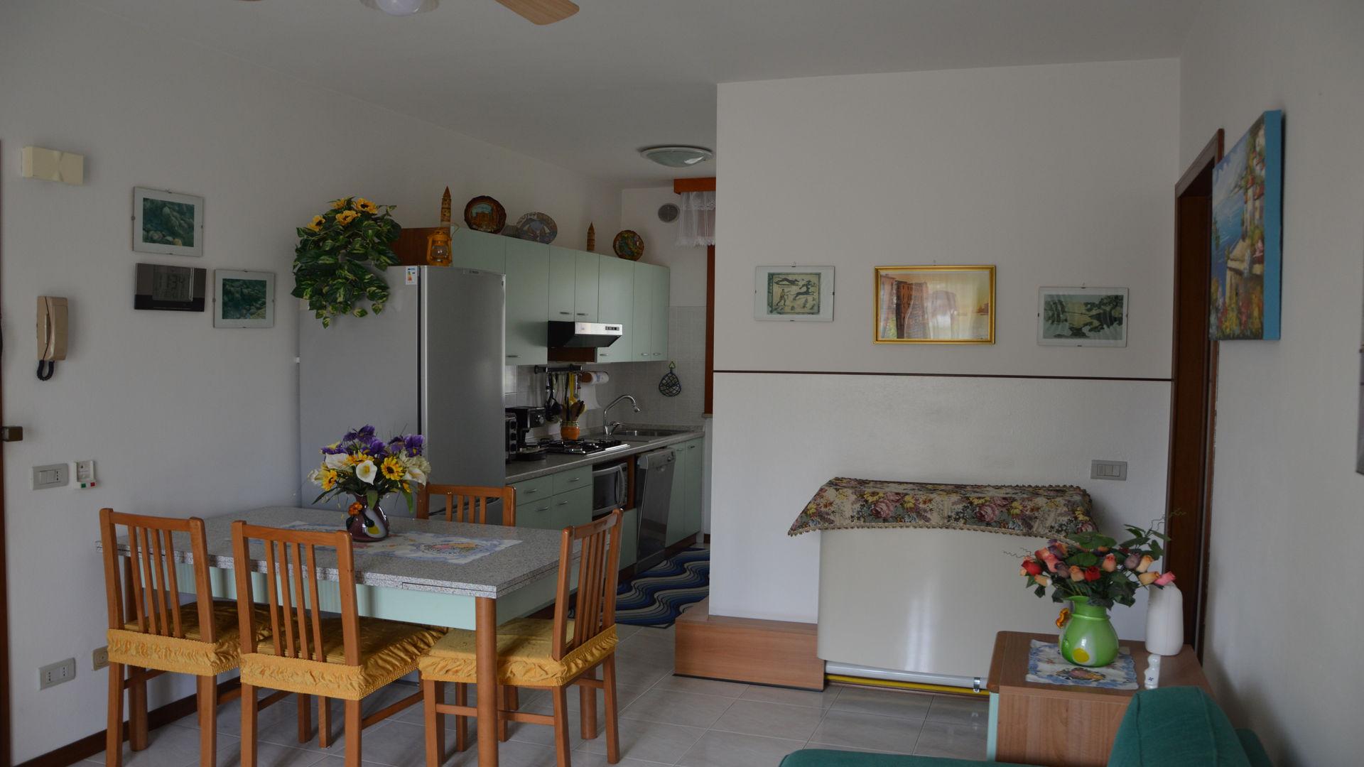 soggiorno e angolo cottura - Agenzia Viscardi